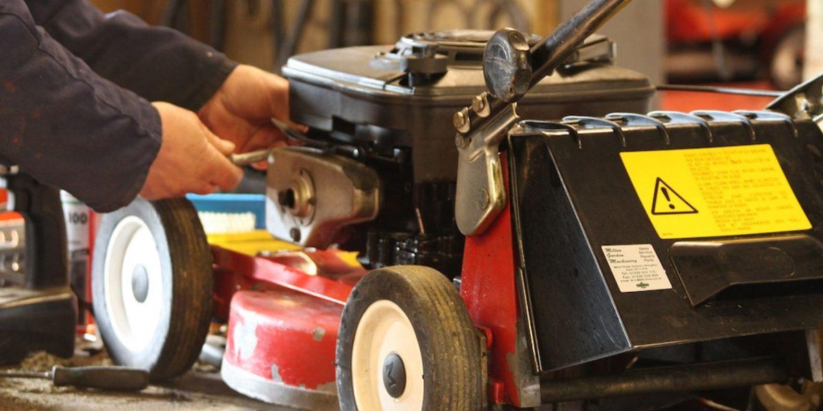 υπηρεσίες συντήρησης επισκευής μηχανημάτων κήπων με προμήθεια ανταλλακτικών